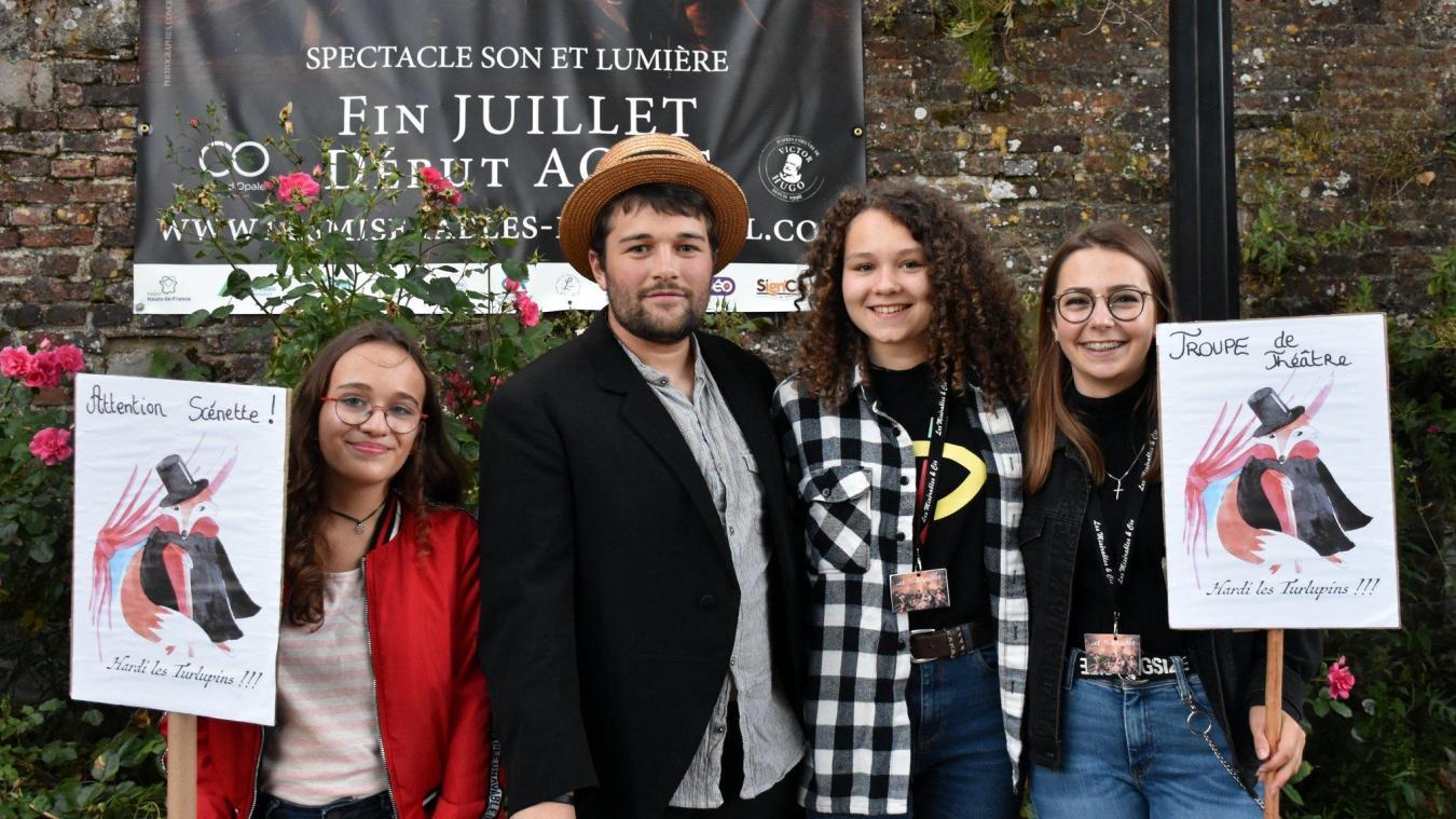 Les jeunes acteurs de la troupe. De gauche à droite  : Margaux Roland, Clément Nourtier, Pauline Perrault et Cassandra Mamelin.