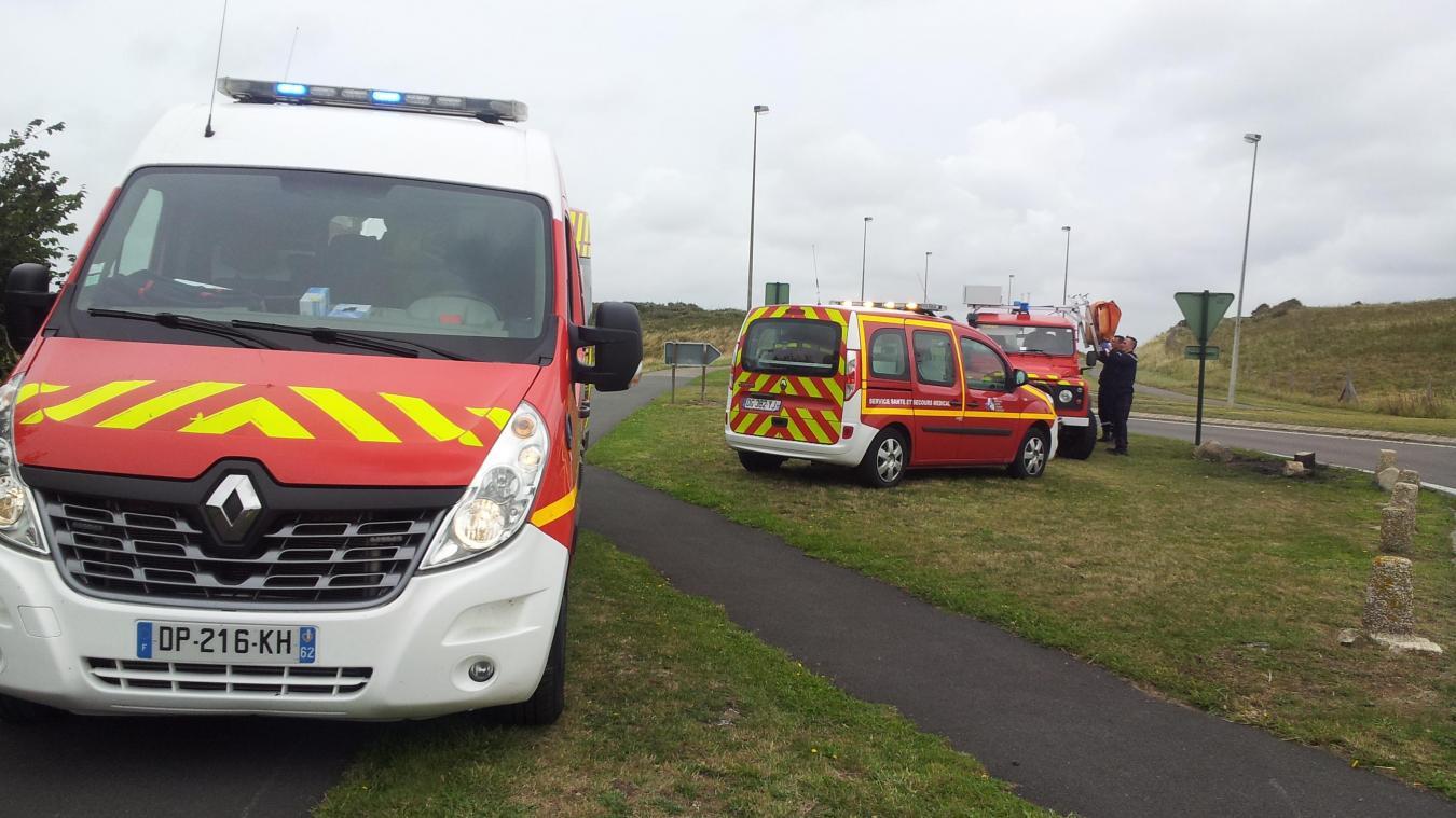 Plusieurs véhicules de pompiers ont été dépêchés sur les lieux.