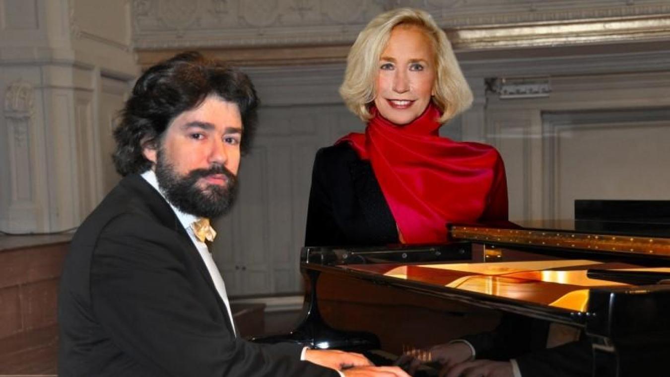 Mardi 20 août à l'Hôtel de Ville du Touquet : Brigitte Fossey et Nicolas Celoro.