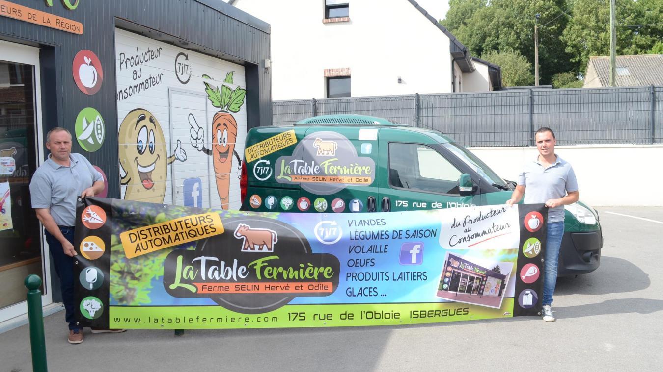 La Table fermière se situe au 175 rue de l'Obloie, à Isbergues, entre Mazinghem et Molinghem. Le distributeur est ouvert de 5h à 23h30, sept jours sur sept.