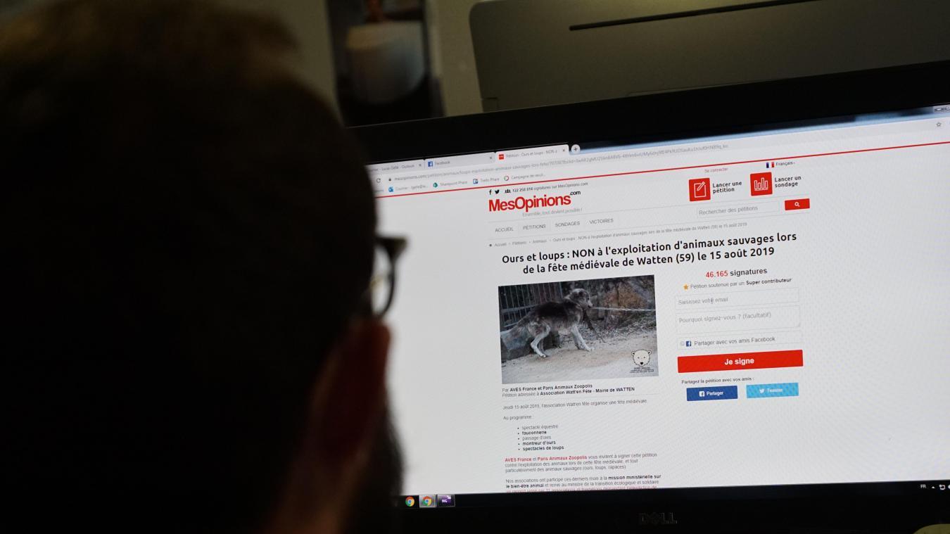 Sur internet, une pétition lancée contre la présence d'animaux à la fête médiévale a récolté plusieurs dizaines de milliers de signatures.