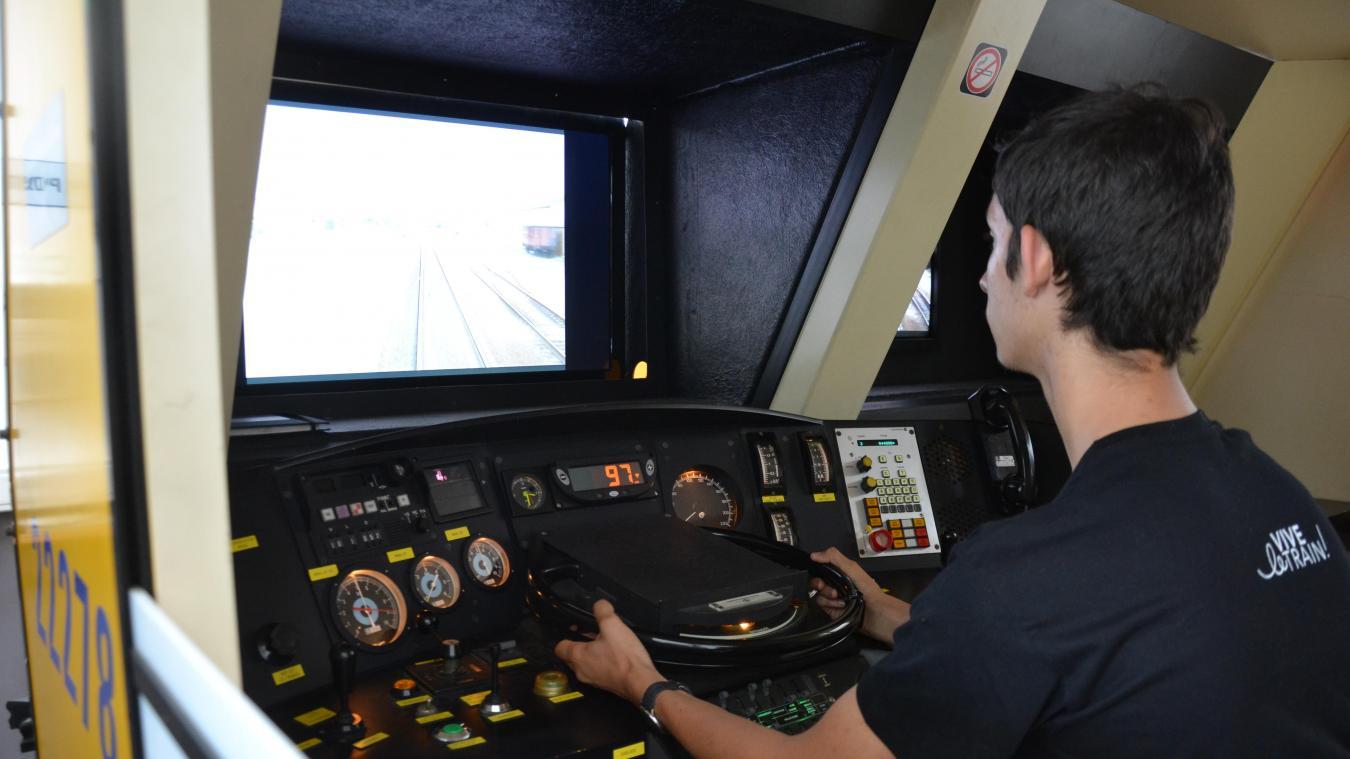 Le simulateur permet par exemple aux futurs conducteurs de trains de s'entraîner. Le Club des Trains des Flandres est l'une des rares associations à avoir pu en récupérer un.