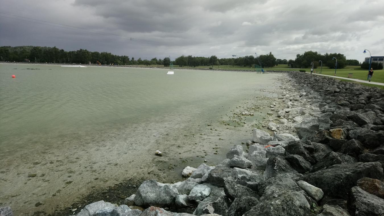 L'eau du lac est trop basse, la baignade est interdite depuis le 8 août.