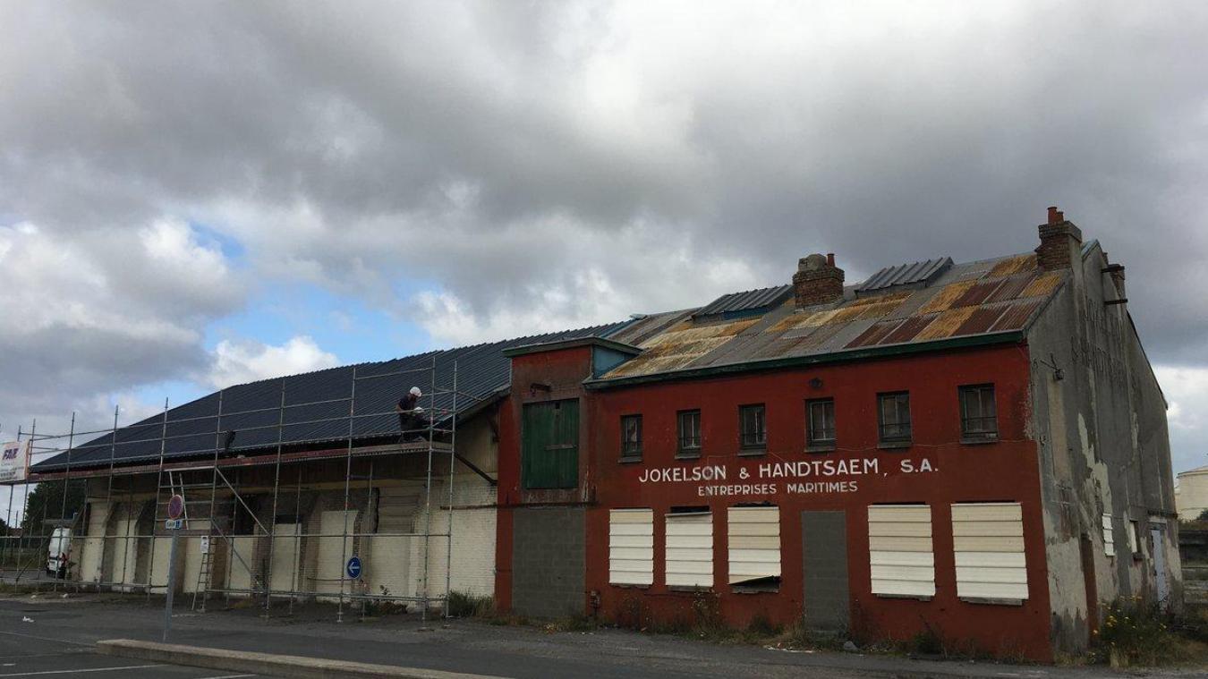 La toiture du bâtiment Jokelson rénovée...