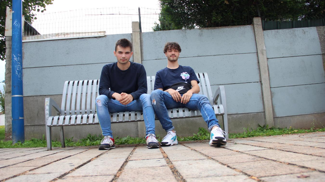 Sami (à gauche) et Bastien lancent leurs sons sur Youtube. Le dernier chiffre en date atteint les 6 000 vues.