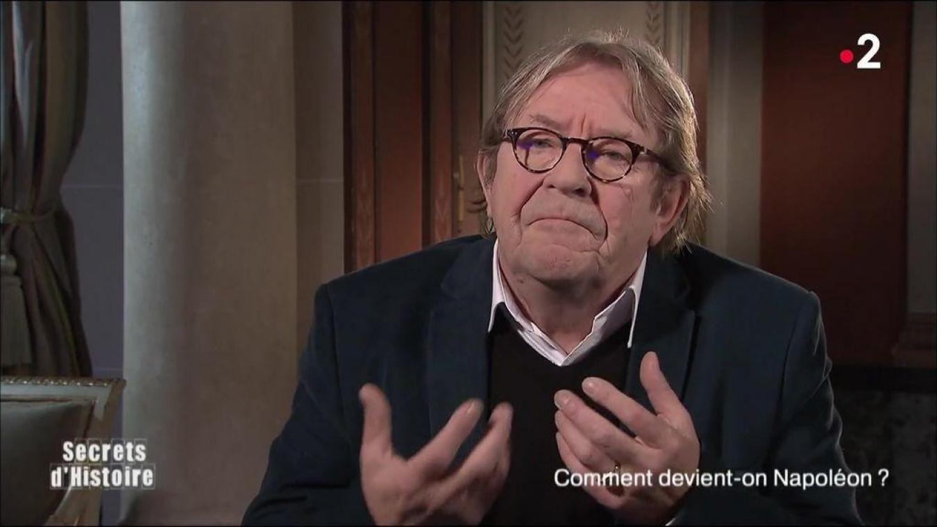 Dès la création de l'émission Secrets d'histoire sur France 2, Michel de Decker était régulièrement l'invité de Stéphane Bern pour des éclairages.