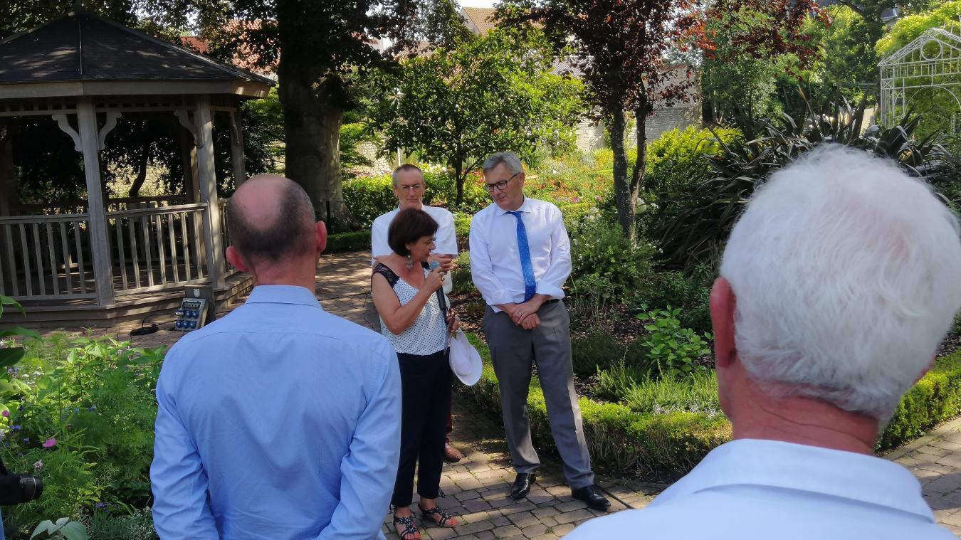 Le jury a fait le tour de la cité de Vauban pour scruter à la loupe les aménagements paysagers des différents sites.