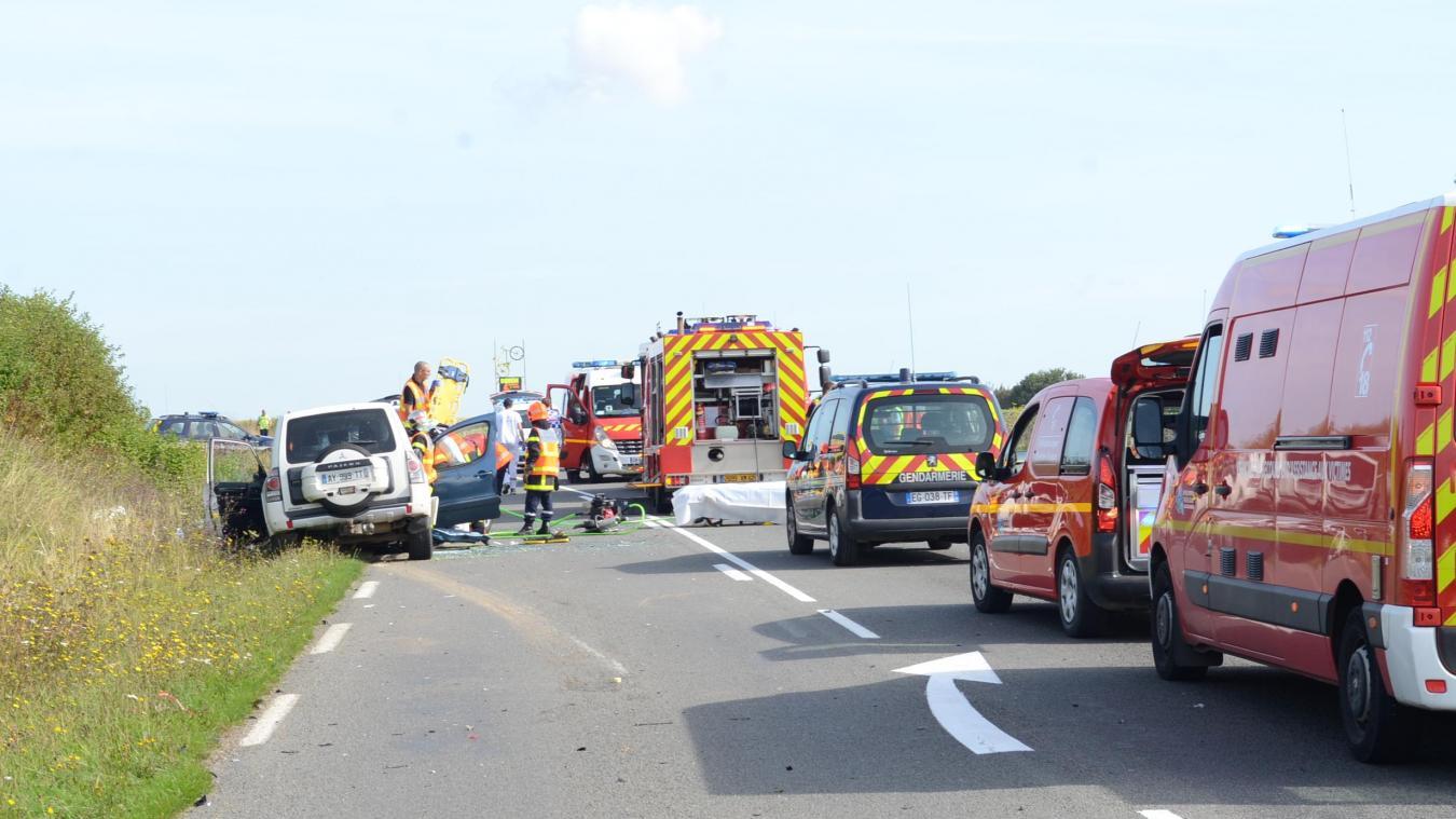 Deux victimes ont dû être désincarcérées par les sapeurs-pompiers.