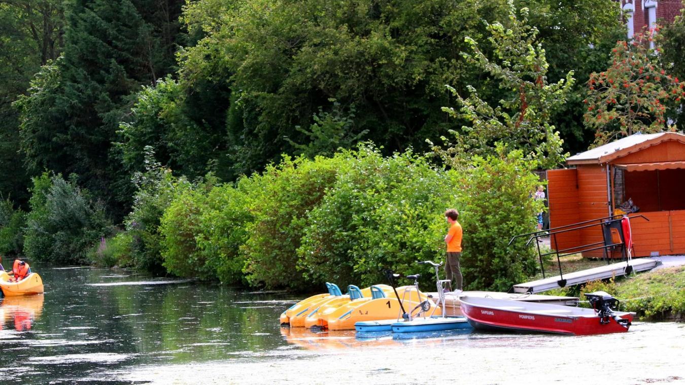 Durant les deux jours, des balades sur la Bourre en barque électrique organisées par le comité des œuvres sociales raviront petits et grands afin de faire décourvrir Merville par l'eau.