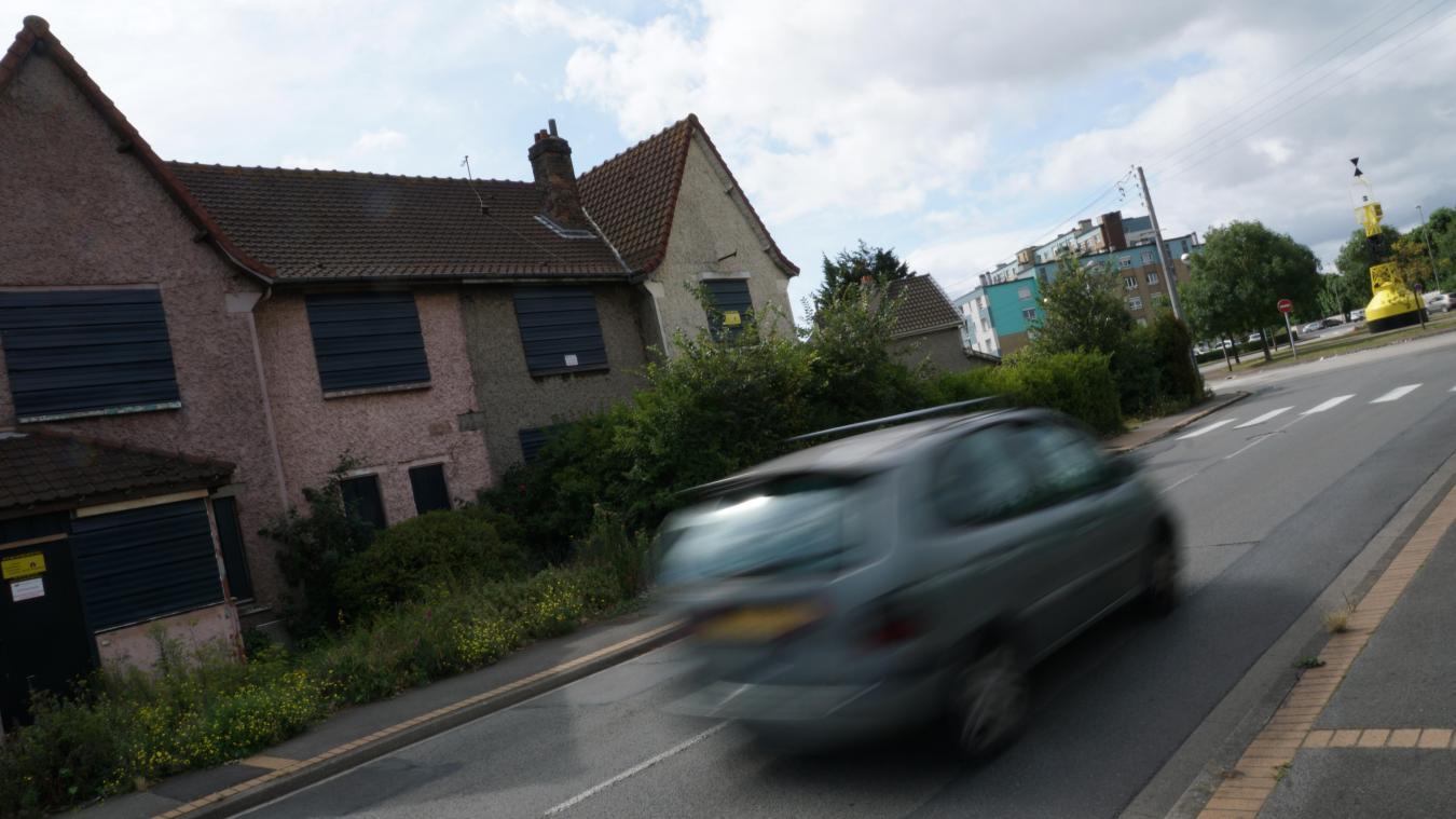 Plusieurs maisons, comme ici dans la rue Marquant, sont murées pour éviter de nouvelles intrusions.