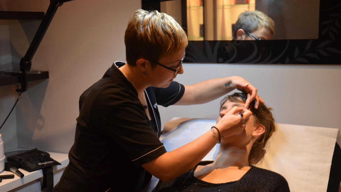 Une esthéticienne viendra prodiguer ses conseils en matière de maquillage.  © illustration