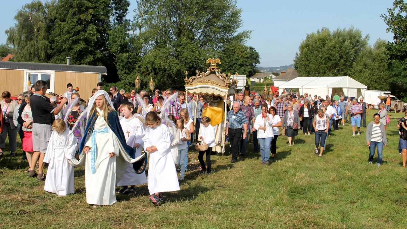 Le matin, une procession ira de l'église d'Eecke au lieu où se déroule la journée. (Archives)