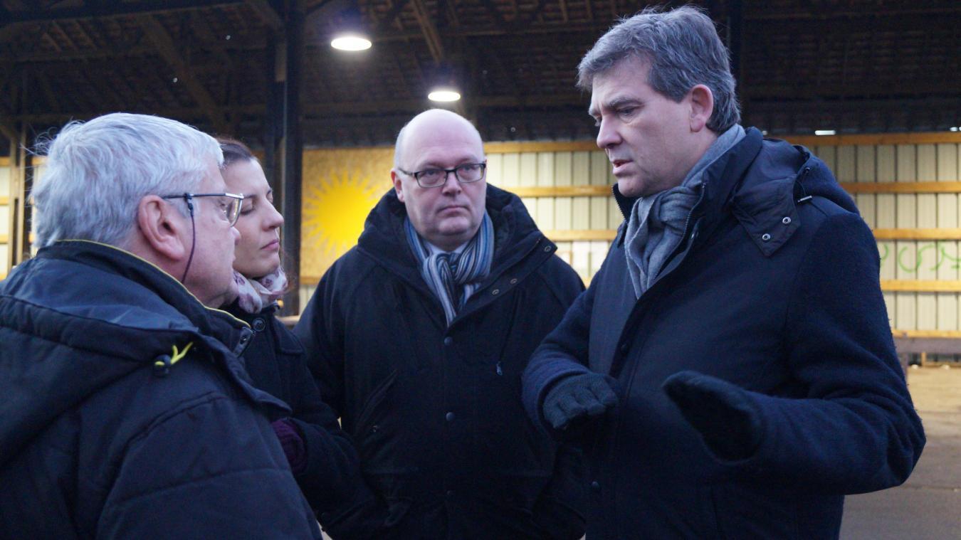 Olivier Caremelle (ici au centre) était au premier rang à l'époque de la Linière. En décembre 2016, il faisait visiter le camp à Arnaud Montebourg, alors candidat à la primaire socialiste.