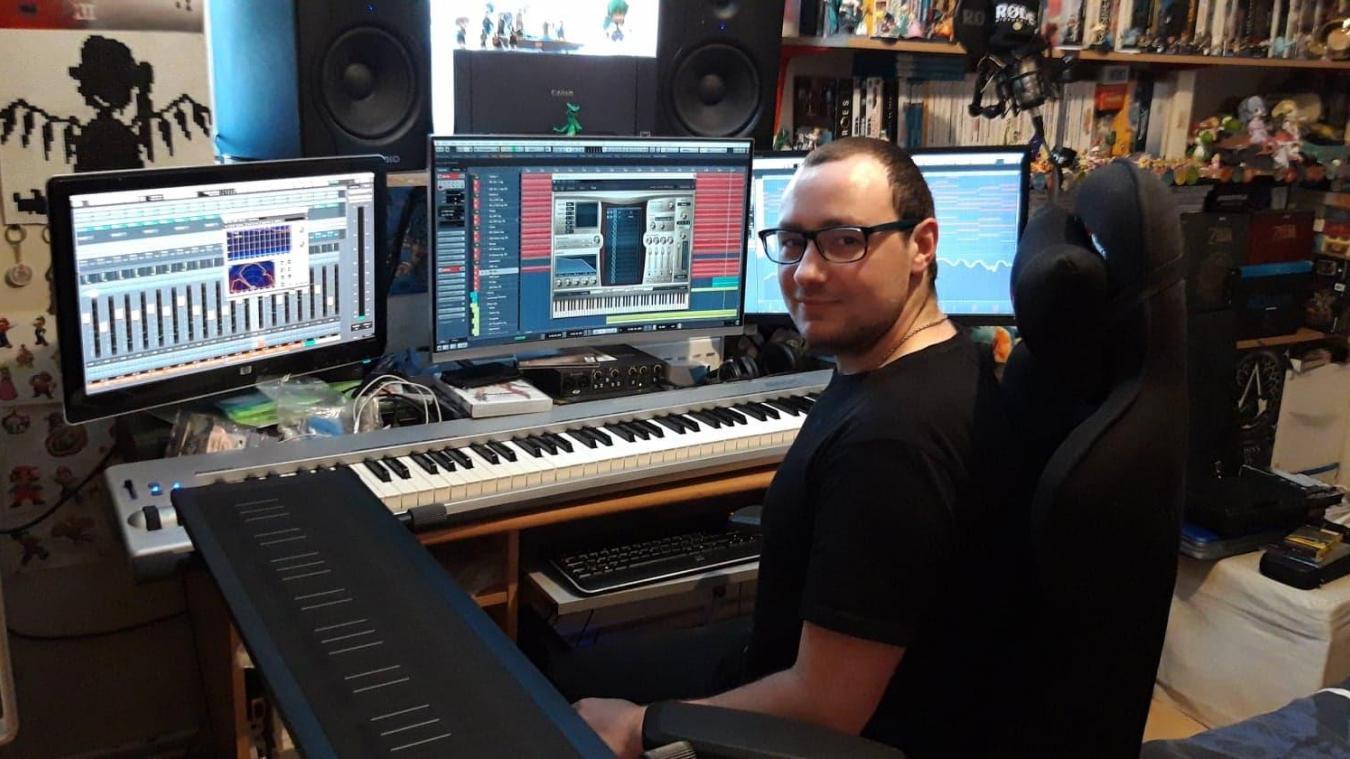 Grâce à ses nombreux petits boulots, Anthony a pu acquérir un matériel de qualité pour produire de la musique assistée par ordinateur.