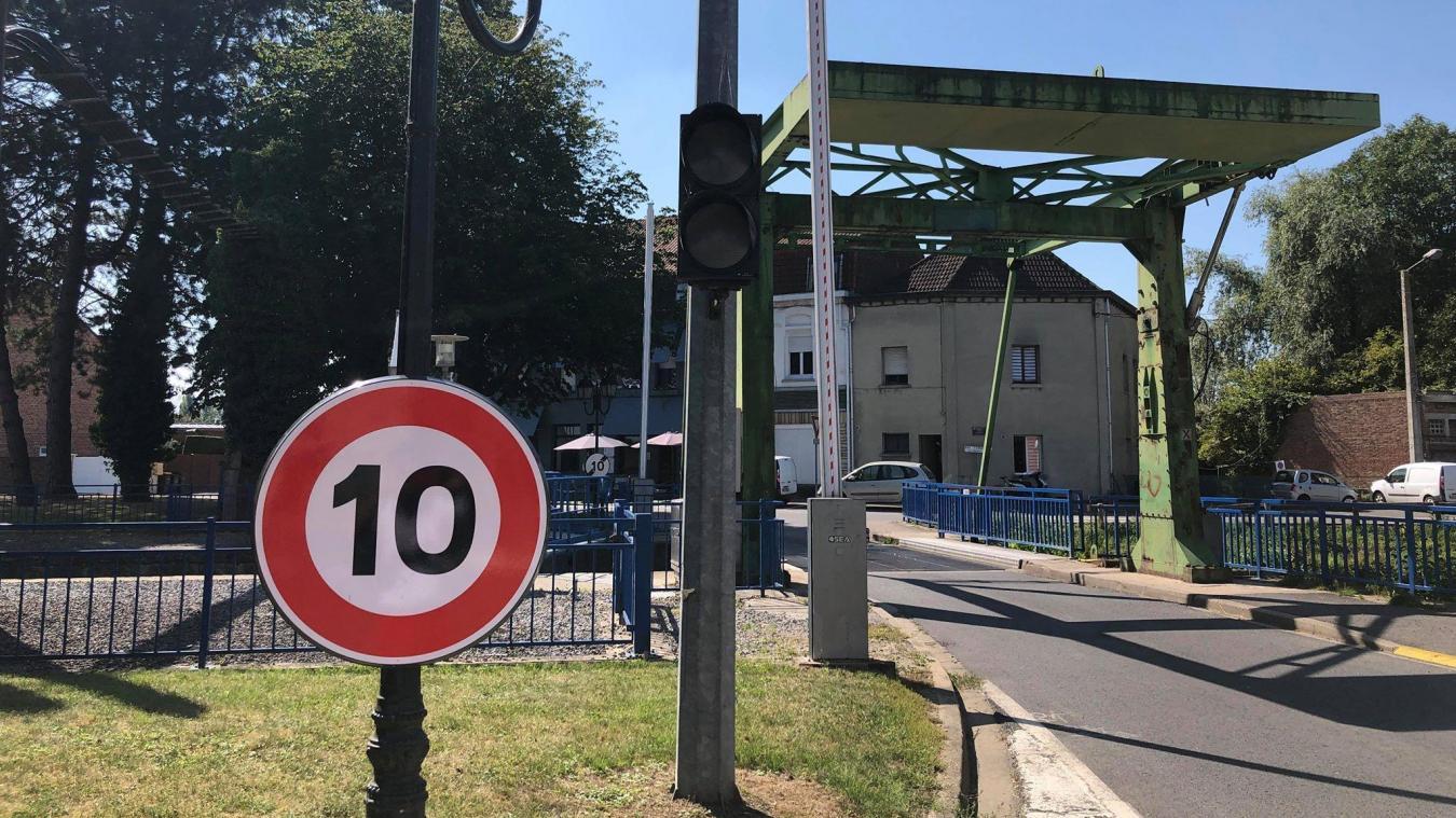 Les Deux Ponts permettent de relier toute une partie de la ville de Merville avec le centre.