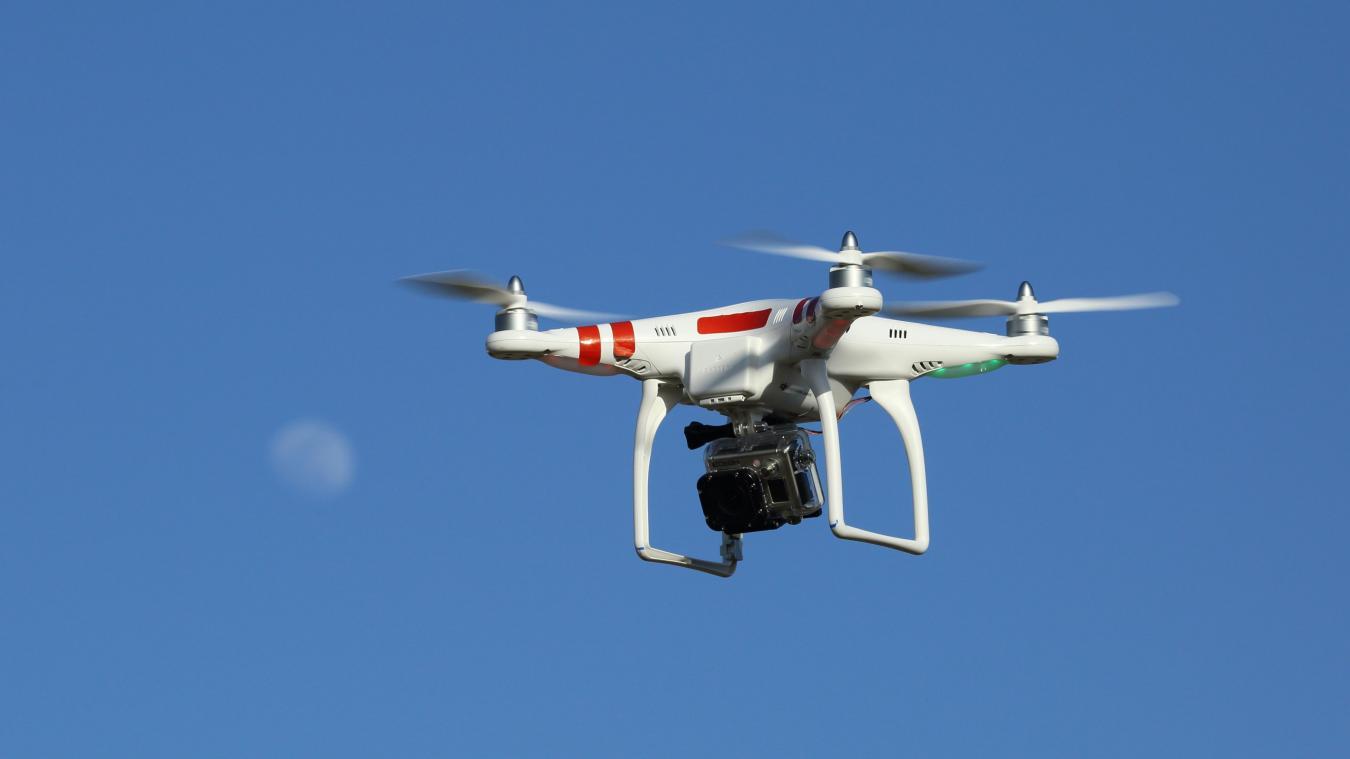 Une association spécialisée dans les interventions d'urgence propose ses services pour surveiller les plages grâce aux drones.