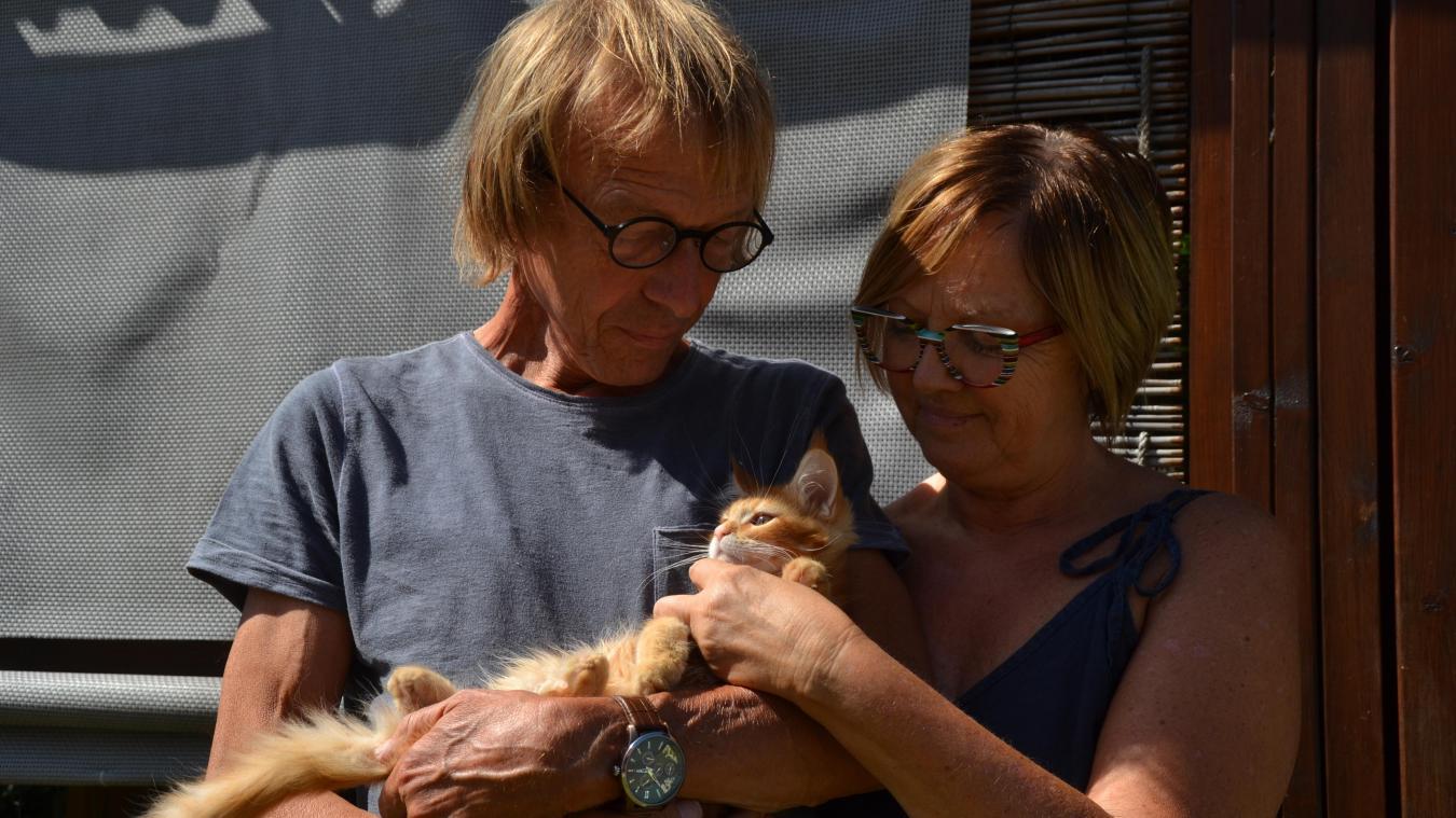 Cathy Decherf et son mari possèdent un élevage de maine coon. L'un d'eux est figurant dans le film de Gabriel Le Bomin.