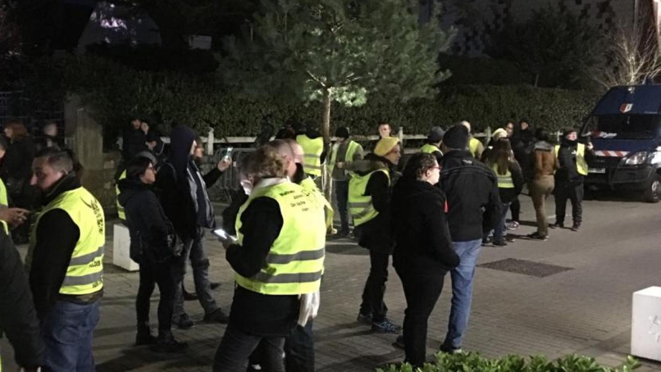 Alors qu'elle avait été interdite, une manifestation de Gilets jaunes s'était déroulée devant la villa des époux Macron, au Touquet, le 21 avril dernier.