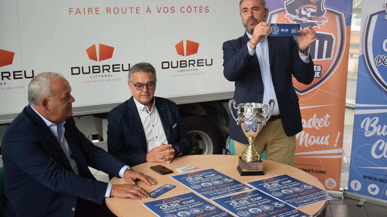 C'est Sylvain Dubreu, patron de la concession Renault trucks à Dunkerque, qui a procédé au tirage au sort de la 7e DLSI Cup.
