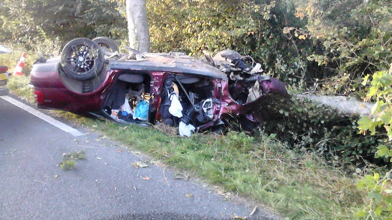 Le conducteur, originaire de Condette, a perdu le contrôle de son véhicule et percuté un arbre.