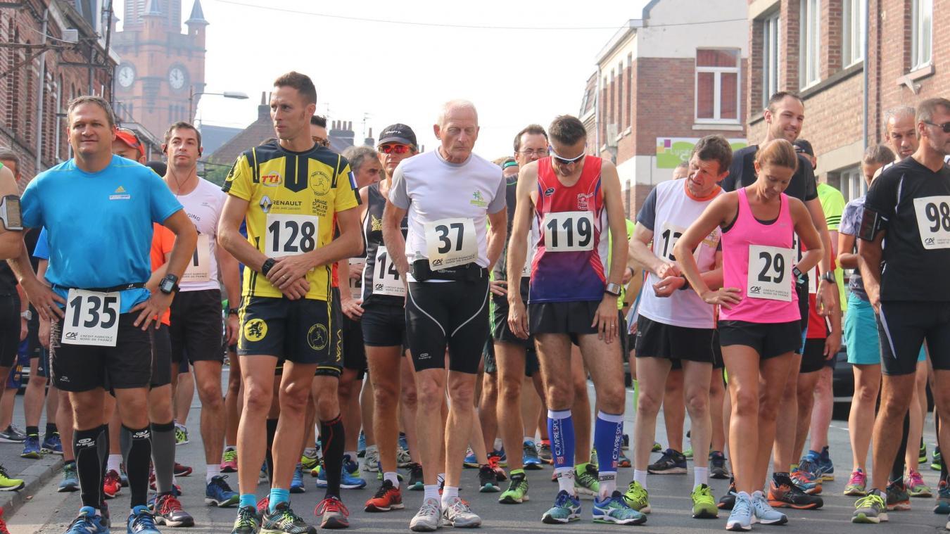 Les coureurs prendront le départ de cette dixième édition des Foulées d'Aliboron à 10 h rue du Collège.