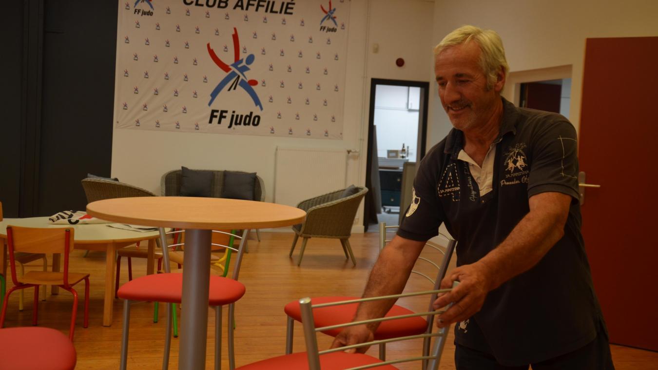 Ces derniers jours, Dominique Pruvost était encore attelé à la préparation des nouveaux locaux, notamment le club-house, en compagnie des bénévoles du club.