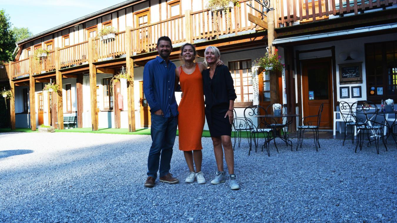 La famille Lefebvre a racheté le domaine d'Hérambault le 26 juillet dernier. Ici Frédérique et Philippe en compagnie de leur fille Estelle.