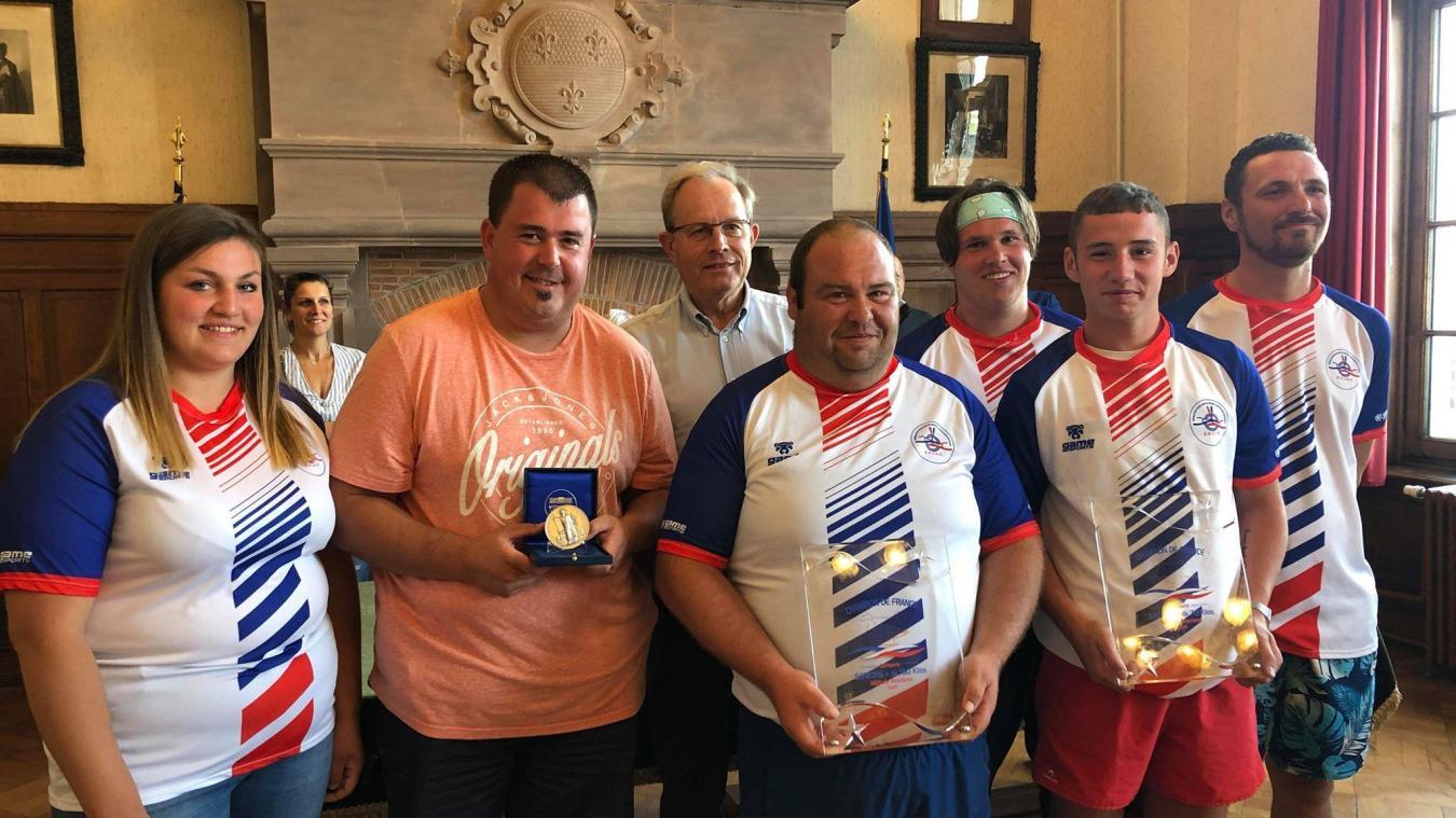Les jouteurs mervillois ont été reçus en mairie lundi 2 septembre.