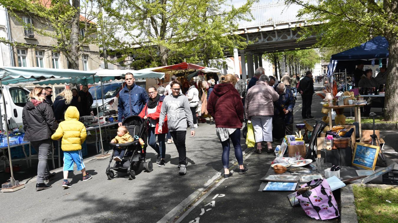 Bon nombre de Boulonnais, du quartier comme d'ailleurs, sont venus (re)découvrir le marché de Clocheville cet été.