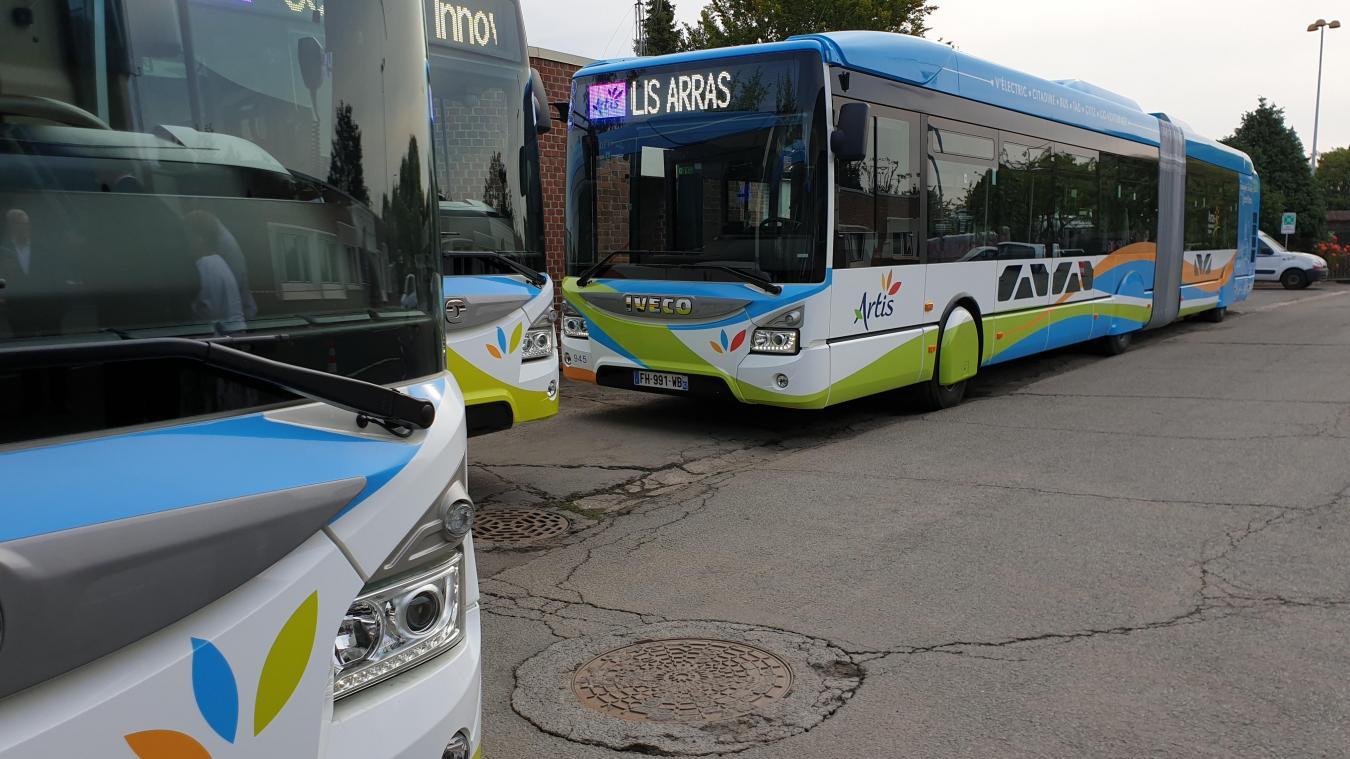 Artis poursuit le renouvellement de sa flotte. Quatre nouveaux bus au gaz ont été mis en service. Ils seront 13 à être alimentés de la sorte, sur une flotte de 60 véhicules.