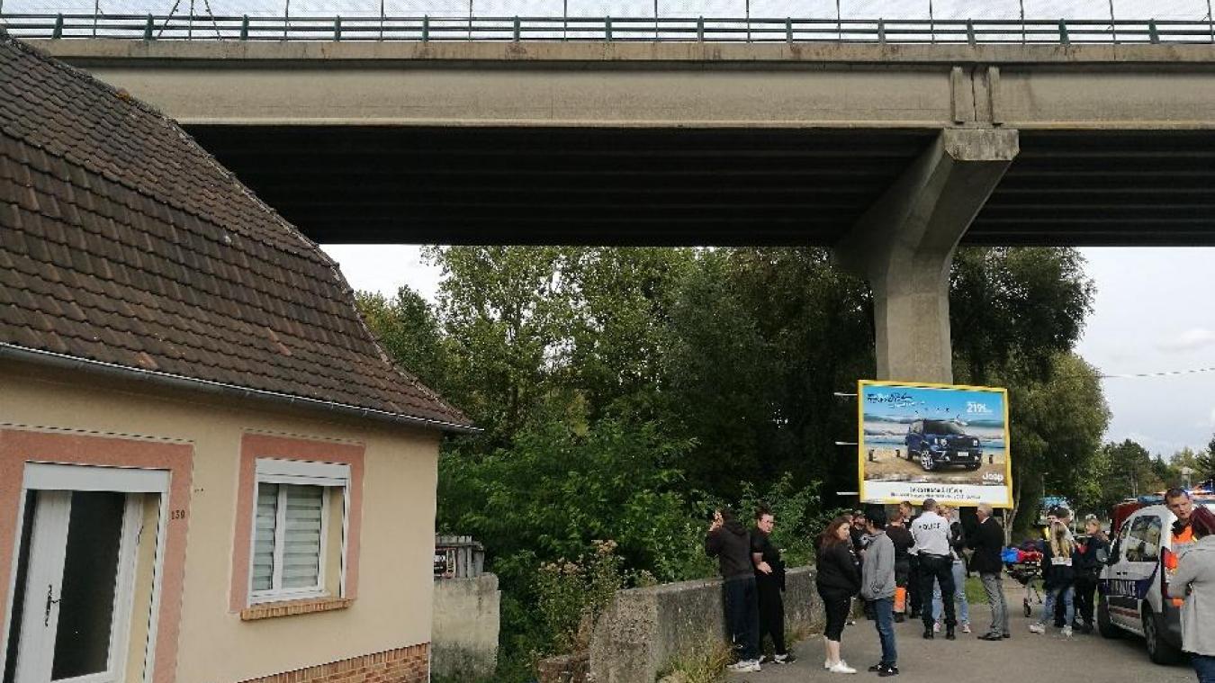 Divion: un homme saute du viaduc