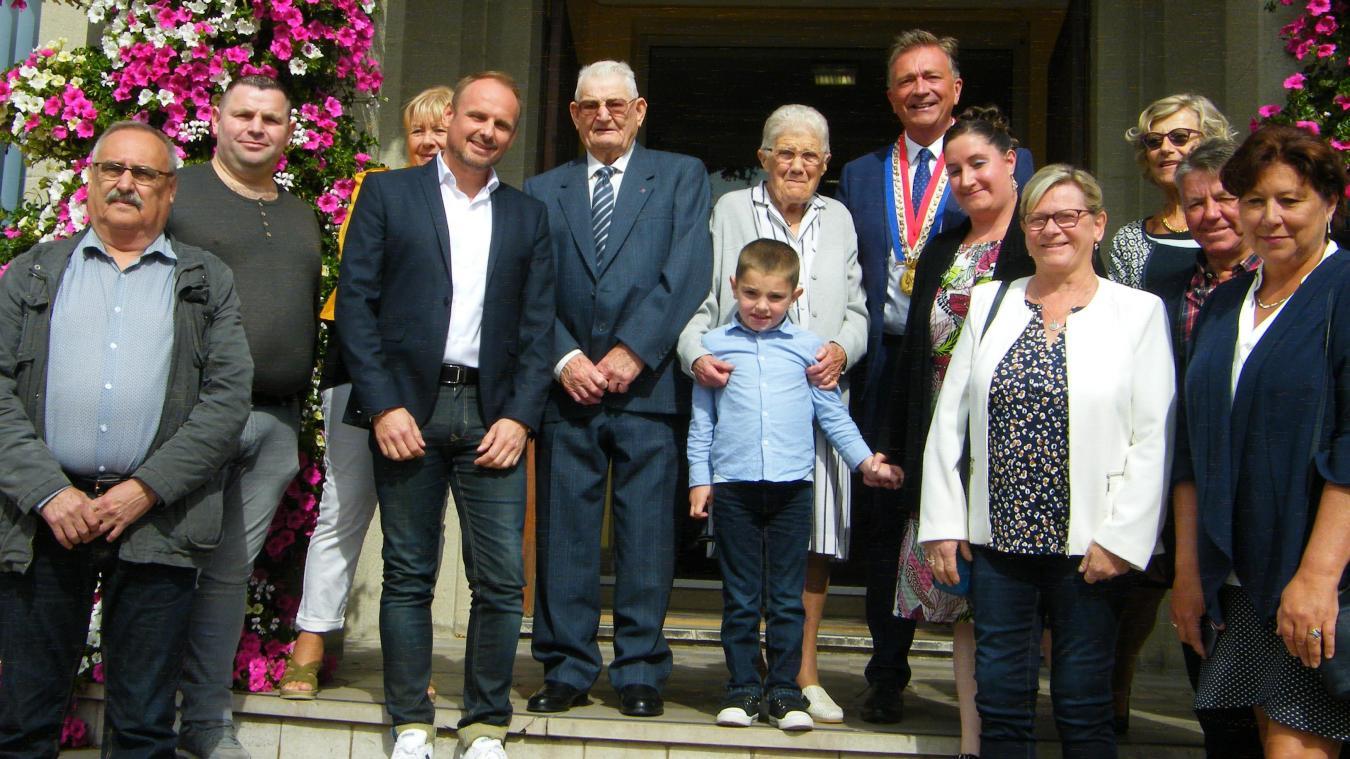 Très appréciés de leurs voisins, le couple Dubrulle a invité famille et amis à célébrer leurs 70 années de mariage.
