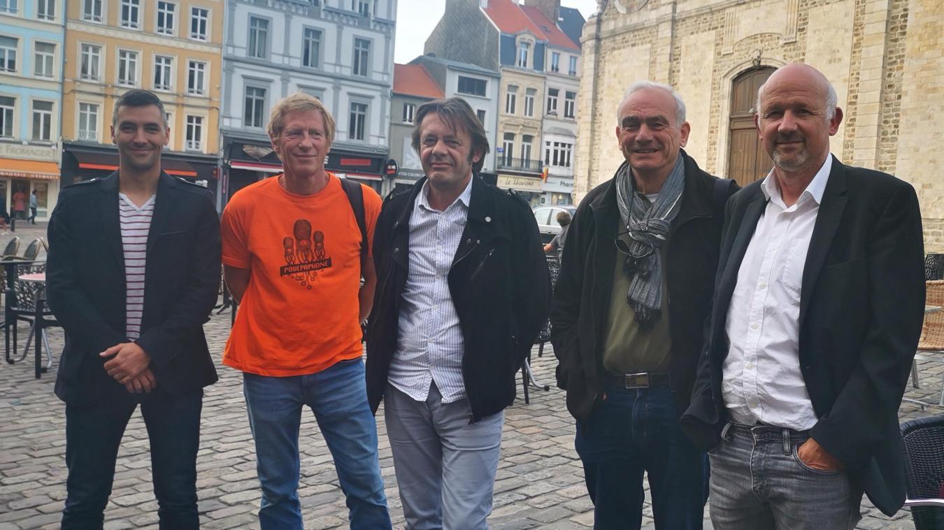 Denis Buhagiar (droite), porte-parole du mouvement, qui entend présenter une liste EELV à Boulogne.