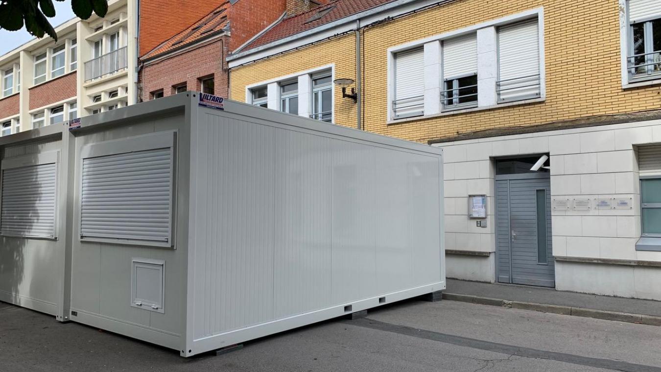 Les praticiens ont fait installer des modulaires provisoires afin d'agrandir le cabinet médical.
