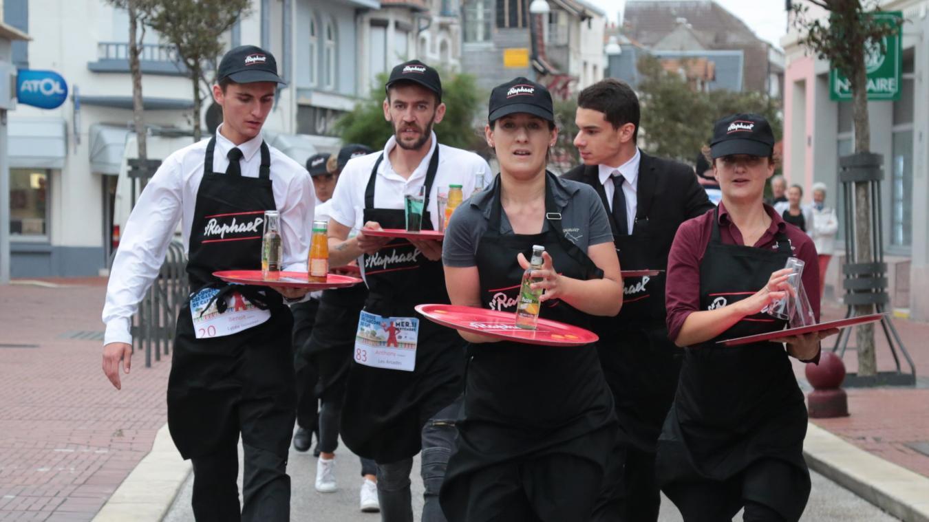 Plusieurs participants ont eu l'occasion de s'illustrer lors de la nouvelle course des garçons de café du Touquet-Paris-Plage.