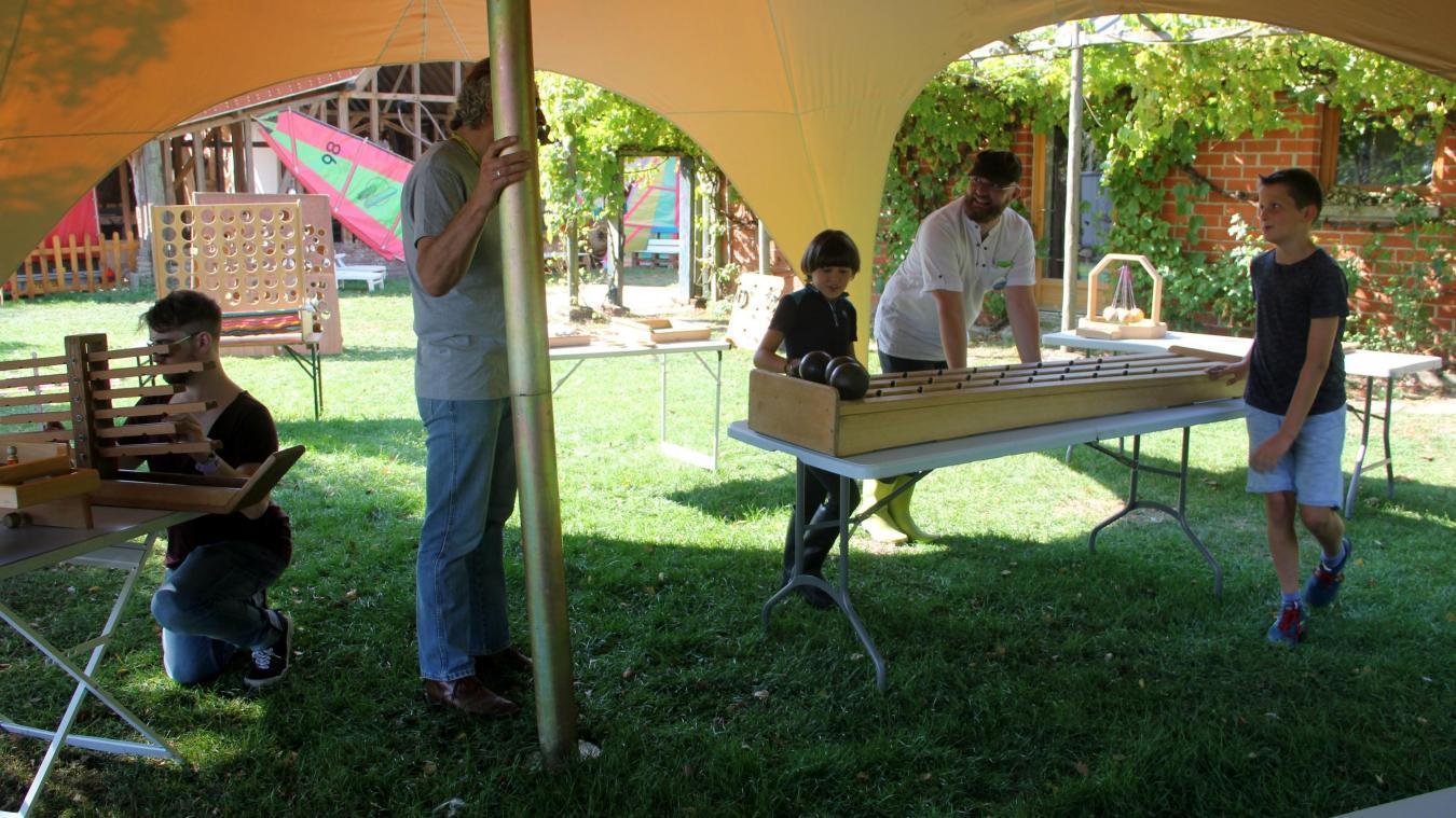 Un festival familial avec jeux, concerts, chasse au trésor, cirques...