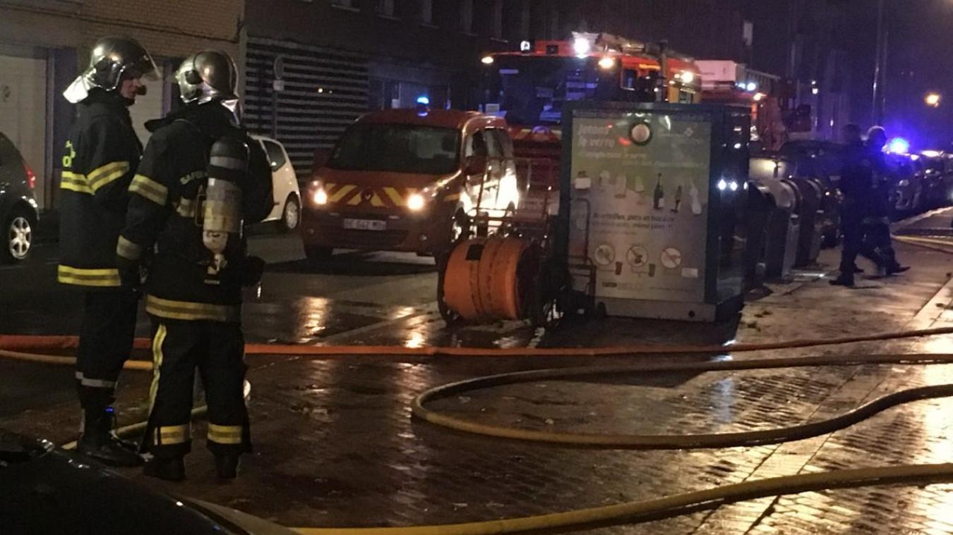 Les pompiers ont déclenché d'importants moyens pour venir à bout de l'incendie parti d'un scooter garé dans un parking souterrain de la rue de la Verrerie.