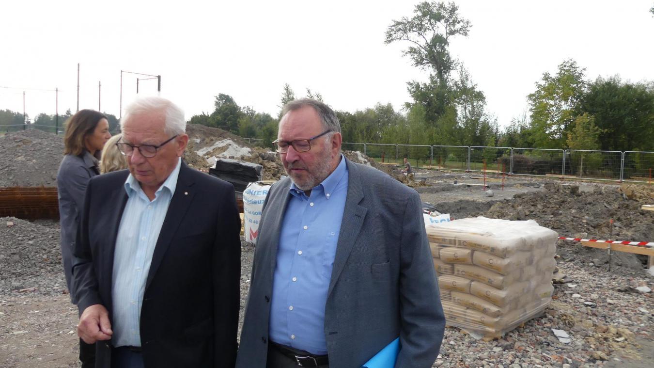 Lundi 16 septembre, Guy Bouvart a reçu Alain Wacheux afin de faire une visite du chantier, avant de signer les fonds de concours attribués par l'agglomération.