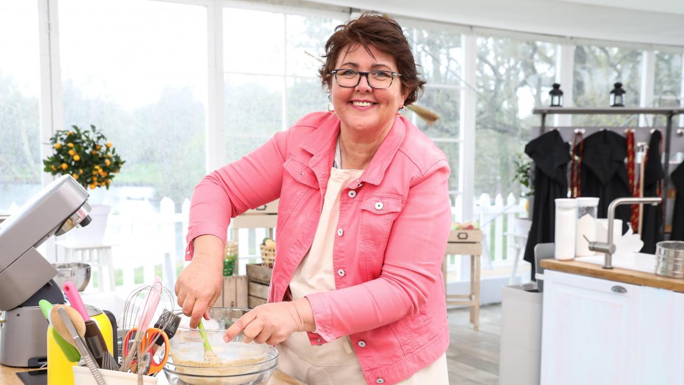 Cette semaine, Béatrice est la pâtissière de la semaine. ©Marie Etchegoyen/M6