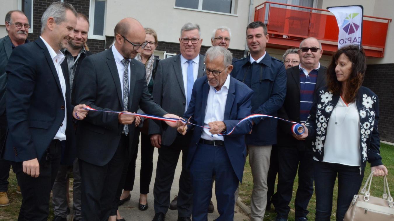 Le maire Jean-Claude Dissaux a inauguré la résidence Malannoy, dans le quartier de Lenglet.