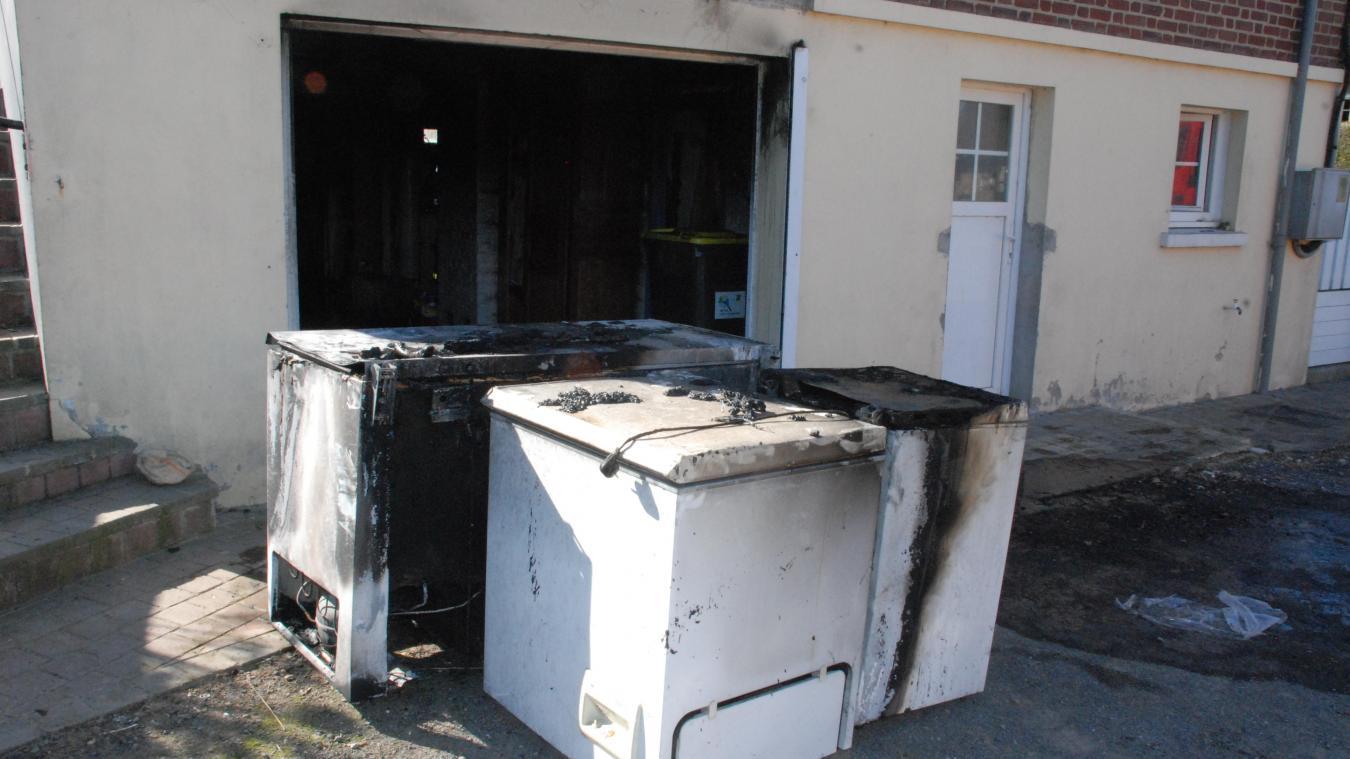 Trois congélateurs sont hors d'usage ainsi que le chauffe-eau.