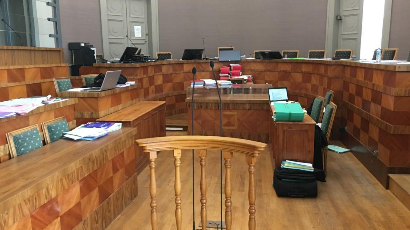 Depuis ce vendredi 20 septembre au matin, place aux plaidoiries et réquisitions de l'avocate générale à la cour d'Assises du Pas-de-Calais à Saint-Omer.