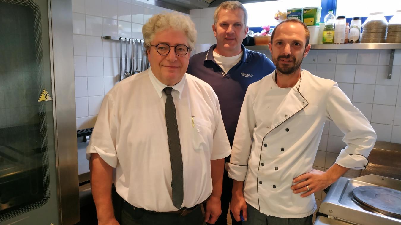 Marc Wietcaz, directeur, Gérard Déneuville, responsable logistique et Damien Rumeaux, chef sont désormais garants de la qualité des repas.