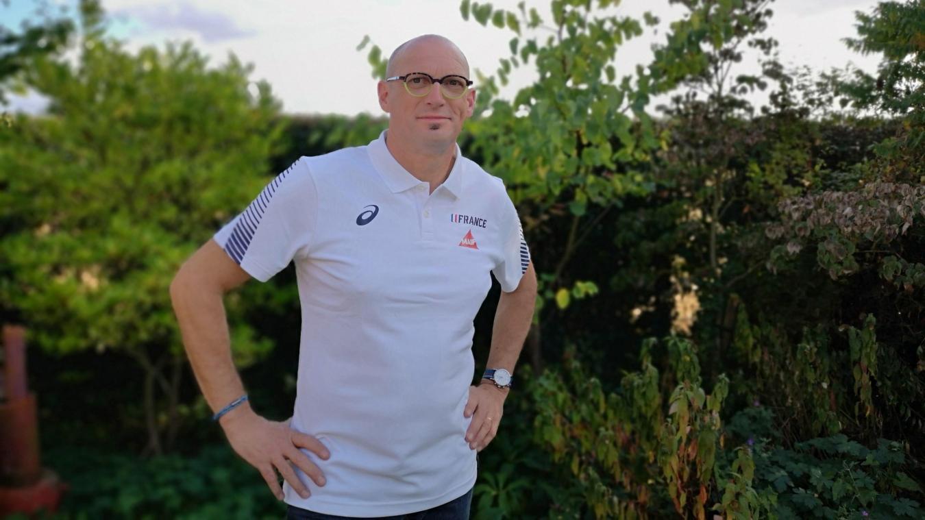 Gervais Wiech possède un cabinte à Hazebrouck. Il fait partie des kinés qui suivent les 60 athlètes de l'équipe de France aux championnats du monde au Qatar. Depuis plusieurs années, il accompagne les athlètes du décathlon et de l'heptathlon.