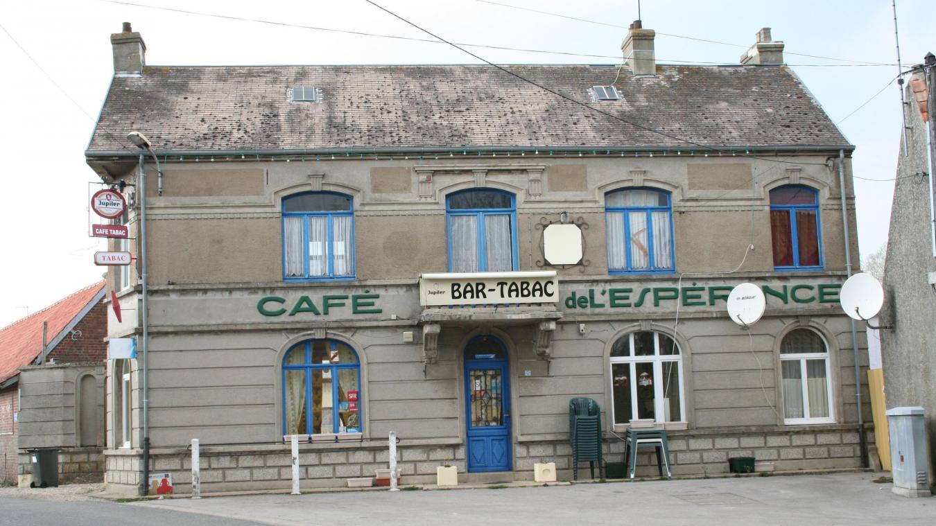 À Henneveux, comme dans de nombreux villages, il n'y a plus de cafés. L'ambition du groupe SOS ? Créer 1 000 bistrots en France.
