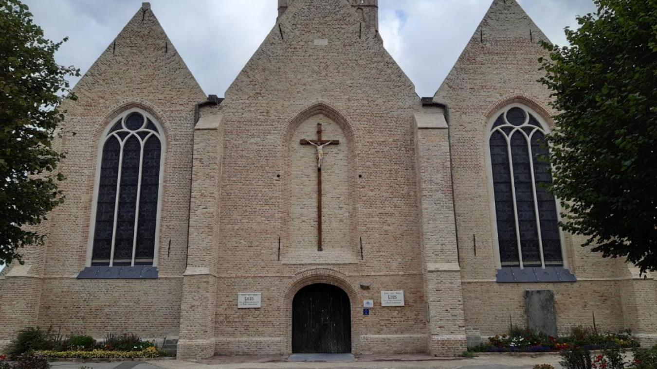 La rénovation du parvis de l'église Notre Dame de l'Assomption aurait déjà due avoir lieu. Le chantier a finalement été reporté à la semaine prochaine après un retard administratif.