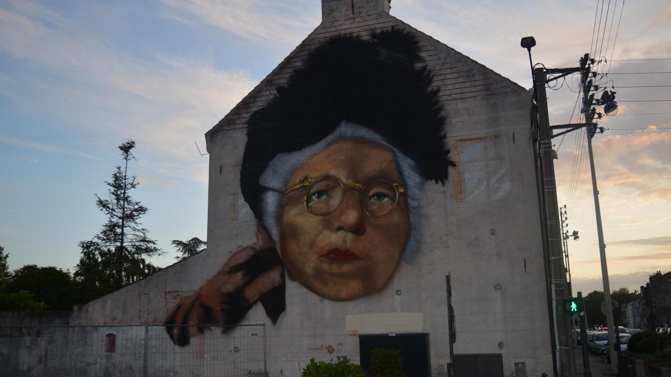 Béthune : la fresque Suzanne Noël est dévoilée