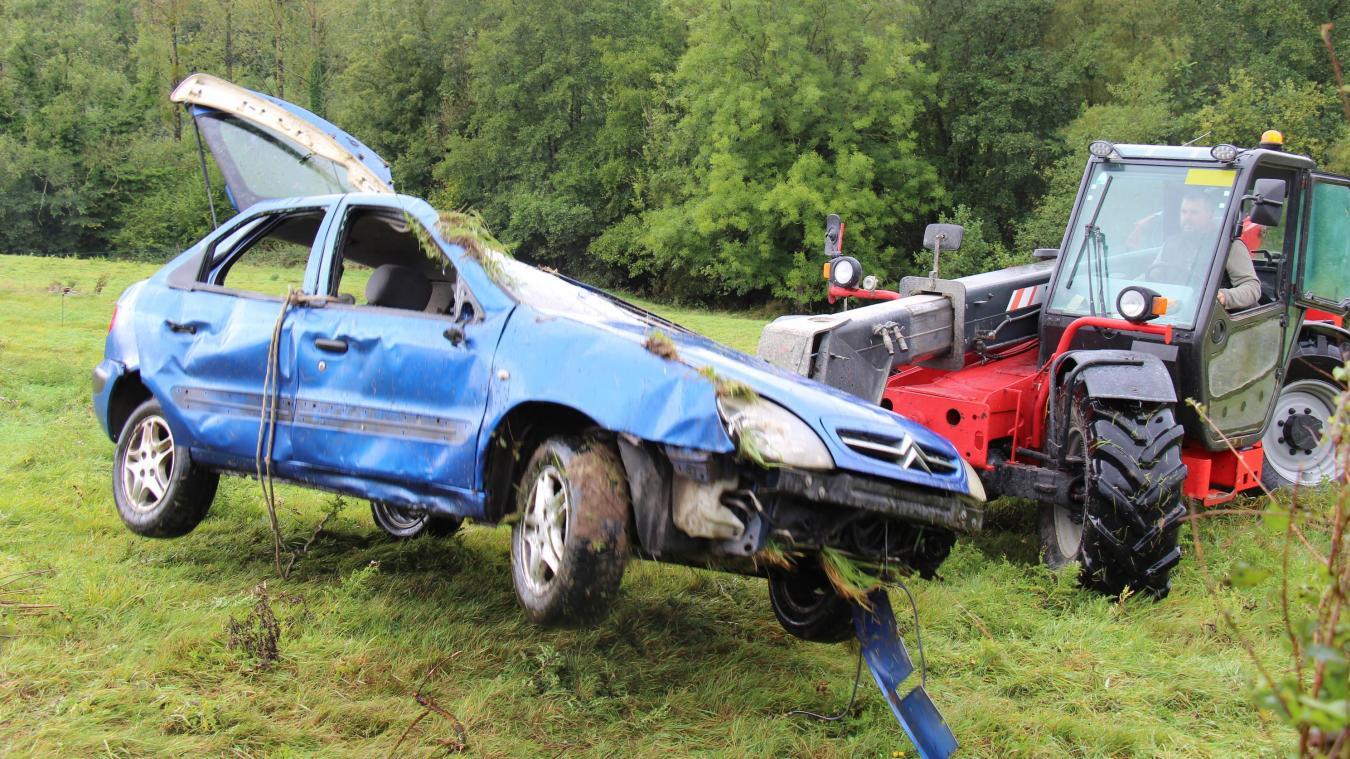 Le conducteur, un homme de 32 ans habitant à Fiennes, a été pris en charge par les sapeurs-pompiers de Desvres.