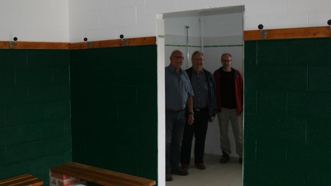 Les vestiaires ont été repeints aux couleurs du club : vert et blanc.