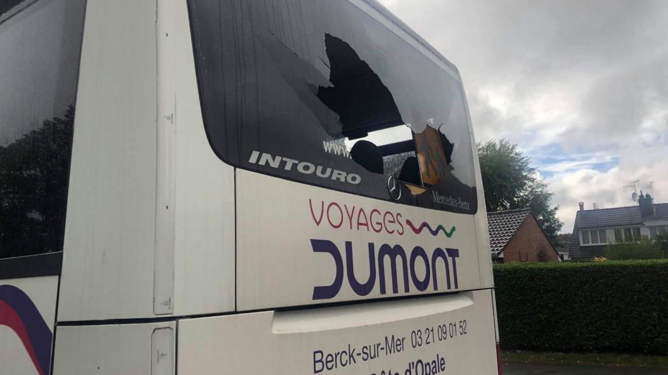 La vitre arrière du bus desVertonnois a été brisée par un jet de pierre en marge d ela rencontre face à Wattignies.